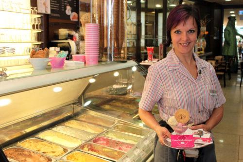 Edith Jensen, Leiterin der Jindrak-Filiale in der Lentia City